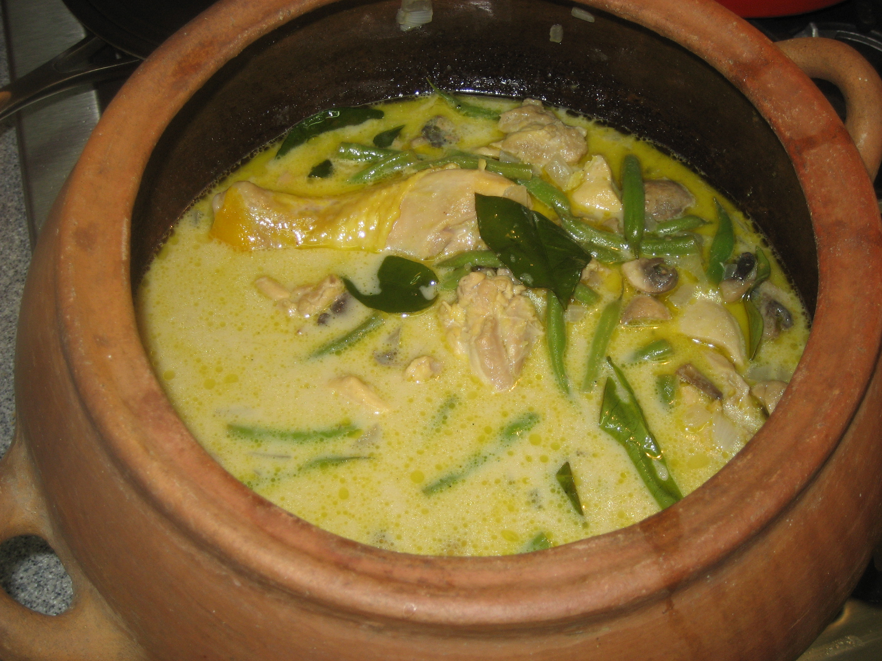 Thai Green Chicken Curry In A Claypot The Travelling