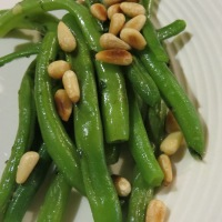 Sauteed Green Beans in Garlic Butter